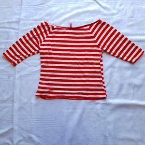 Red and white stripped knit crop top